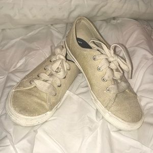 EUC Sperry Top-Sider Gold shoes. Youth Size 2